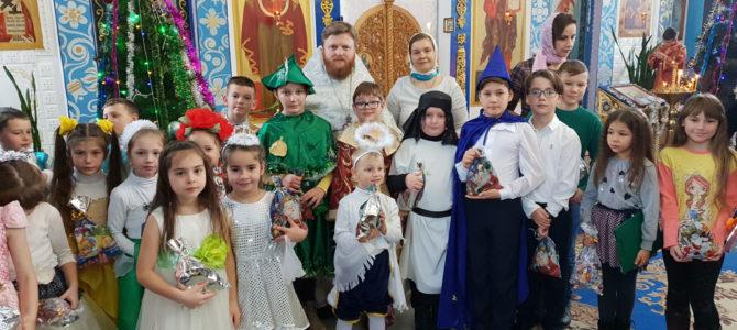 В Нижнегорье детские коллективы поздравили прихожан с Рождеством Христовым