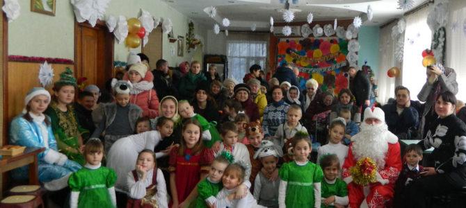 Воскресная школа Свято-Андреевского храма поздравила односельчан Рождественской концертной программой