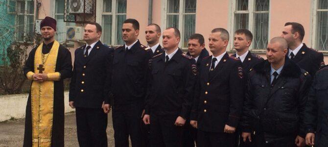 В День защитника Отечества благочинный поздравил сотрудников Отделения МВД