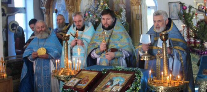 """Праздничное богослужение в храме иконы Божией Матери """"Почаевская"""""""