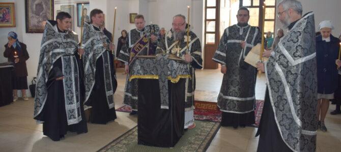 Утреня с чтением 12-ти Страстных Евангелий в Покровском кафедральном соборе