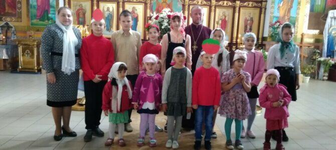 Детское пасхальное выступление в Свято-Никольском храме