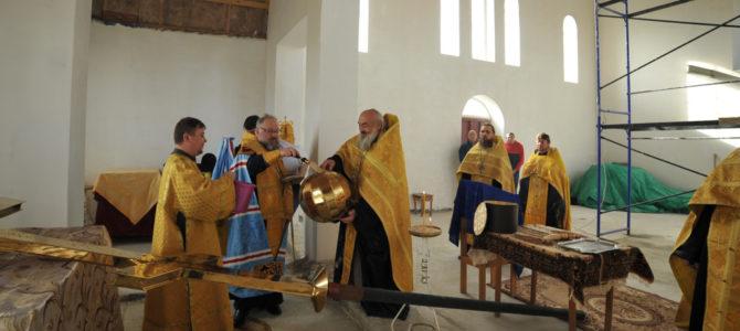 Освящен накупольный крест в Раздольненском благочинии
