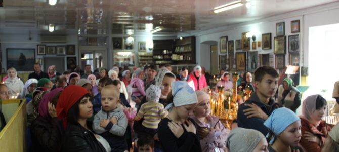 В храмах Джанкойской епархии помолились о детях-сиротах