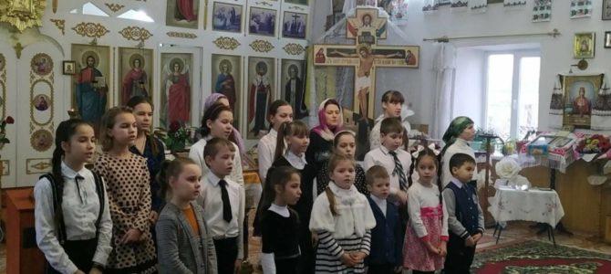 Праздничное детское выступление в храме в честь ап. Фомы с. Воинки