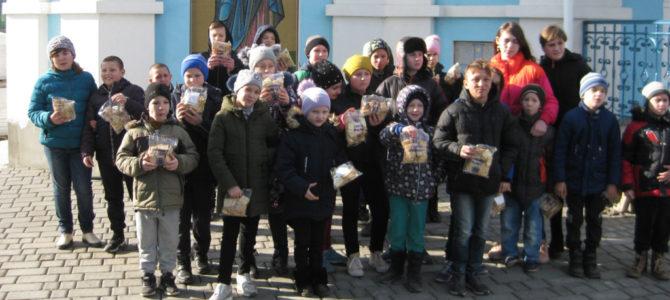 Воспитанники школы-интерната поздравили Джанкойских казаков с Днём защитника Отечества