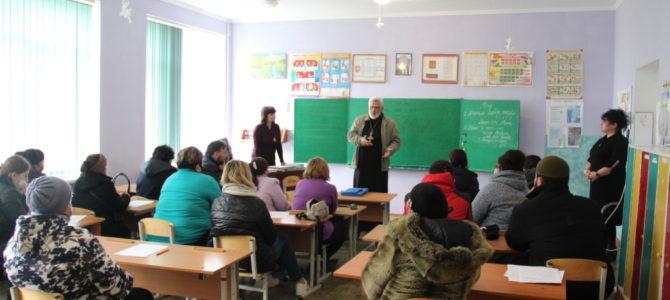 Собрание в школе с. Красногвардейского Советского района по вопросу выбора модуля курса ОРКСЭ
