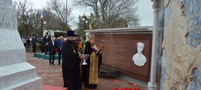В с. Садовом Ниженгорского района освящен мемориальный комплекс партизанам Сейтлерского отряда