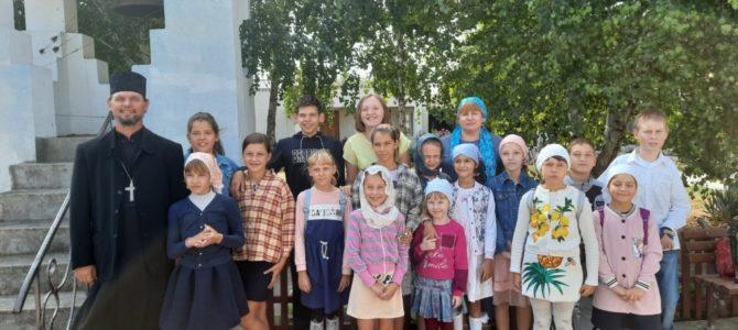 После летних каникул возобновились занятия воскресной школе Свято-Рождественского храма п. Первомайского