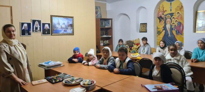 Новый учебный год начался в воскресной школе храма Иверской иконы п. Нижнегорского